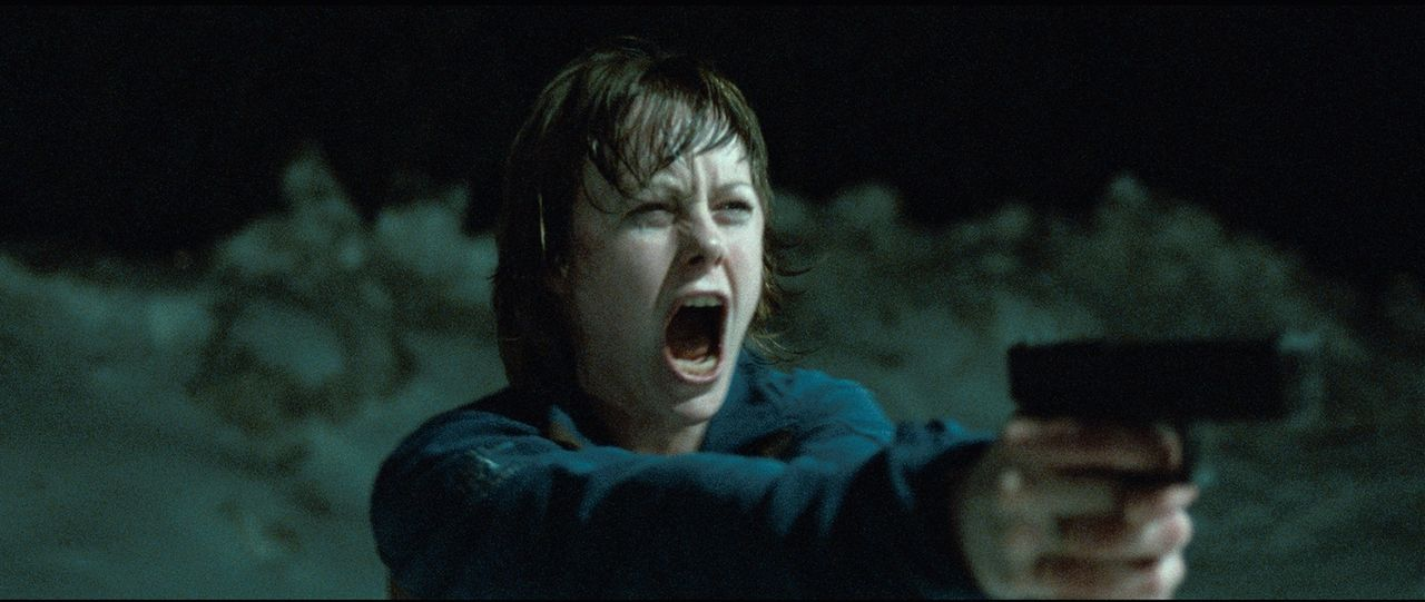 Zunächst war Jannicke (Ingrid Bolsø Berdal) fest davon überzeugt, den Killer getötet zu haben, doch dann gerät sie erneut in dessen Visier ... - Bildquelle: Fantefilm Fiksjon