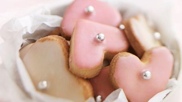 Süße Plätzchen mit Zuckerguss