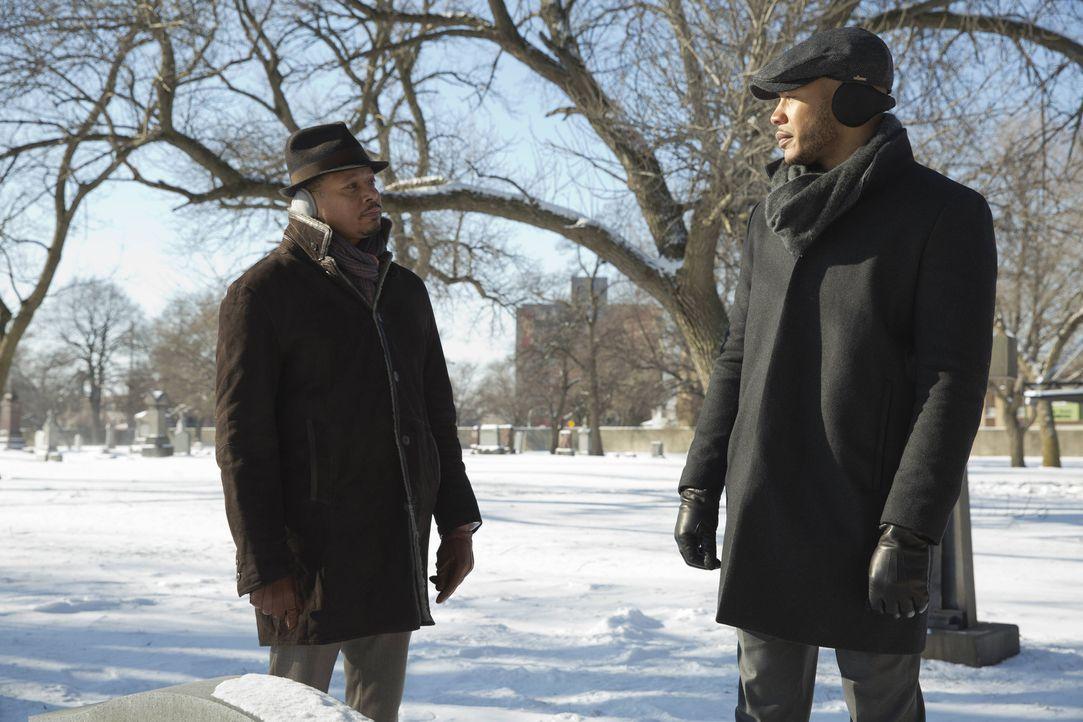 Lucious (Terrence Howard, l.) gelingt es mal wieder, sich mit Andre (Trai Byers, r.) bei einem Gespräch am Grab von seiner Mutter zu versöhnen und s... - Bildquelle: Chuck Hodes 2015-2016 Fox and its related entities.  All rights reserved.