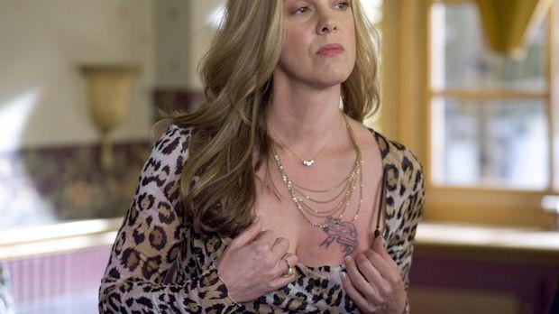 Bevor ihre Brüste wegen ihrer Krebserkrankung amputiert werden, möchte Celia...