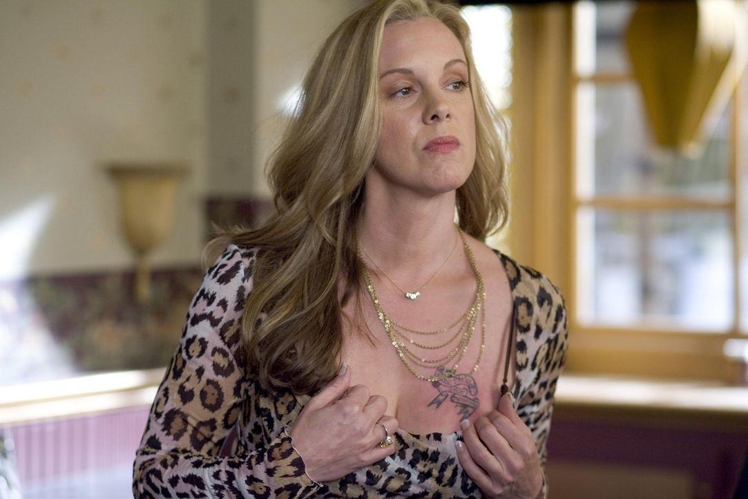 Bevor ihre Brüste wegen ihrer Krebserkrankung amputiert werden, möchte Celia (Elizabeth Perkins) noch einmal richtig einen drauf machen ... - Bildquelle: Lions Gate Television