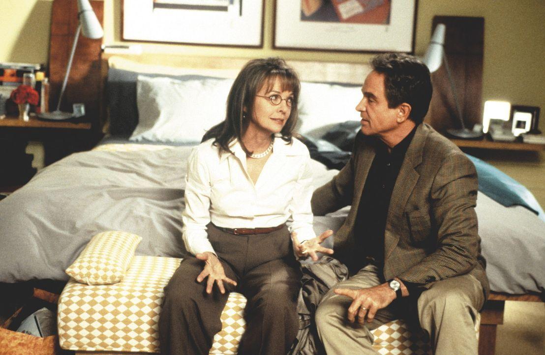 Ellie (Diane Keaton) hat von Porters (Warren Beatty) Unschuldsbeteuerungen einstweilen genug ... - Bildquelle: KINOWELT