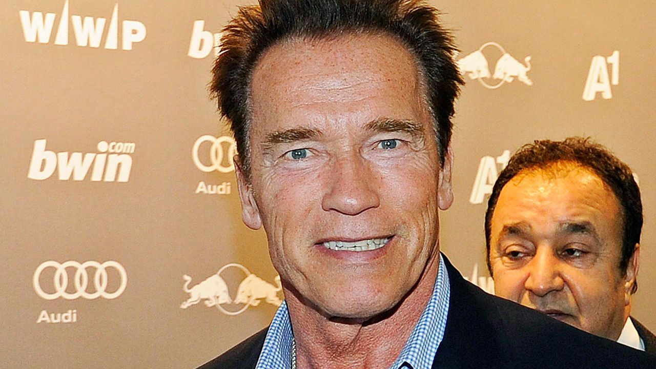 Arnold Schwarzenegger Anfang 2012 in Kitzbühel  - Bildquelle: dpa