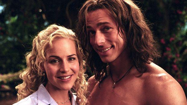 George (Christopher Showerman, r.), der Tarzan der Neuzeit, führt zusammen mi...
