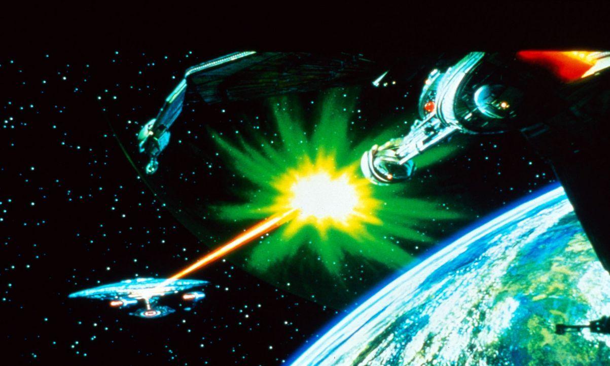 """Die Enterprise wird im Kampf gegen den """"Nexus"""" schwer beschädigt. - Bildquelle: Paramount Pictures"""