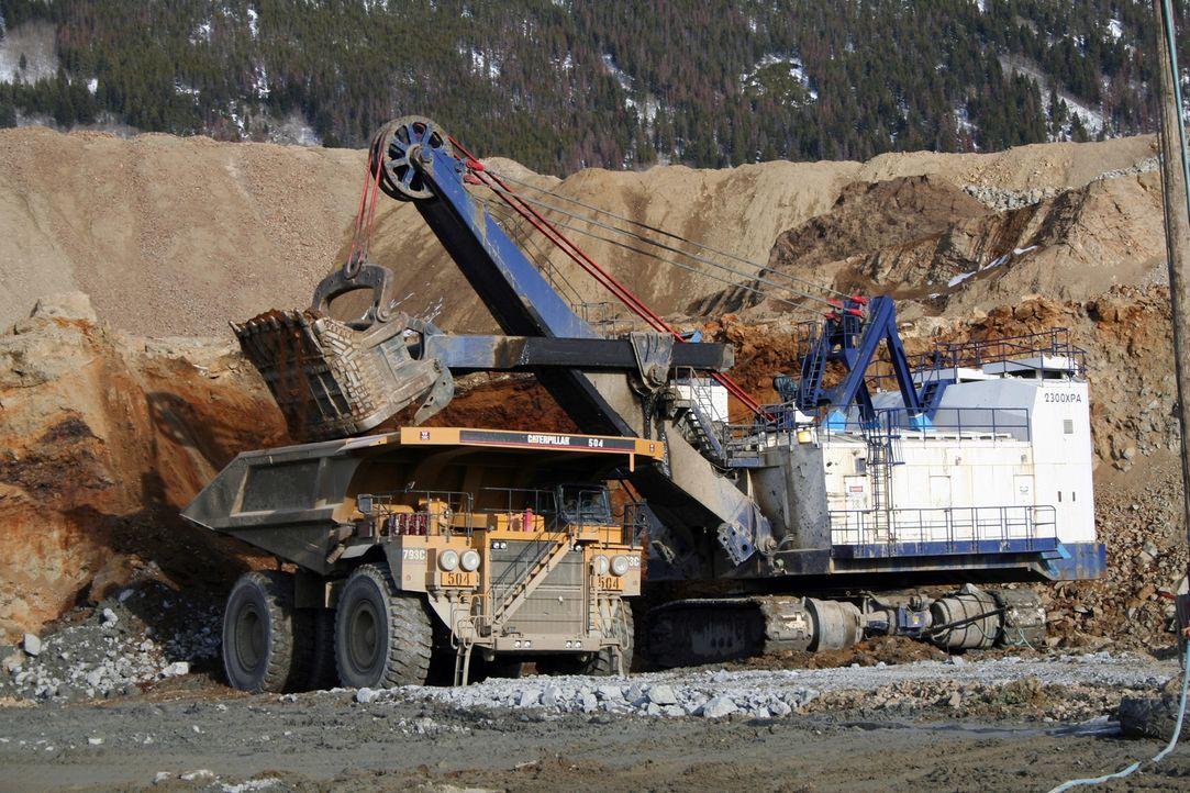 Im Gegensatz zu früheren Zeiten werden heute effiziente Werkzeuge und starke Maschinen zur Aushöhlung von Minen verwendet. - Bildquelle: PMF/Klaire Markham