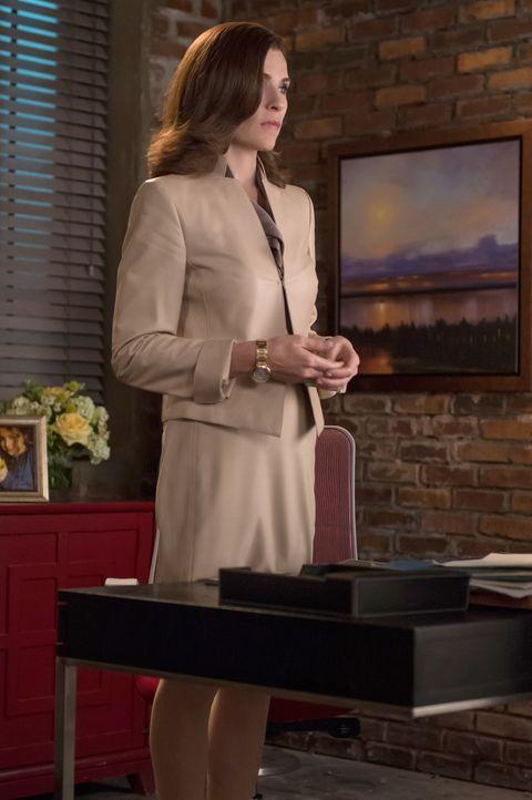 Bald muss Alicia (Julianna Margulies) offiziell ihre Kandidatur für das Amt des Bezirksstaatsanwalts bekanntgeben. Ihr stellen sich jetzt so einige... - Bildquelle: Jeff Neumann 2014 CBS Broadcasting Inc. All Rights Reserved.