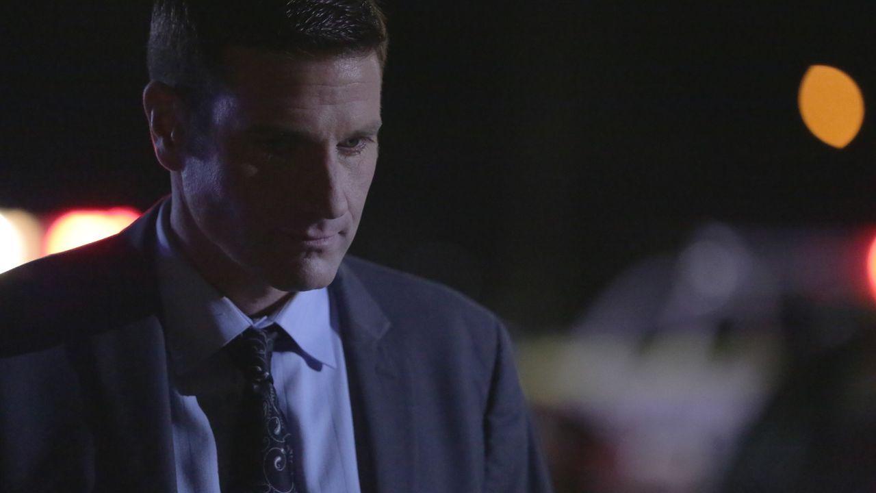 Auf der Suche nach dem grausamen Parkplatz-Mörder: Lieutenant Joe Kenda (Carl Marino) ... - Bildquelle: Jupiter Entertainment