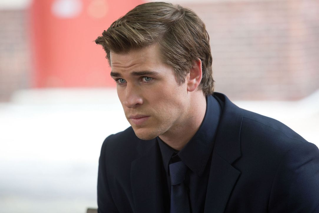 Völlig blauäugig lässt sich Adam Cassidy (Liam Hemsworth) darauf ein, als Spitzel die neueste Innovation eines Konkurrenz-Unternehmens auszuspionier... - Bildquelle: 2012 Paranoia Acquisitions LLC. All rights reserved.