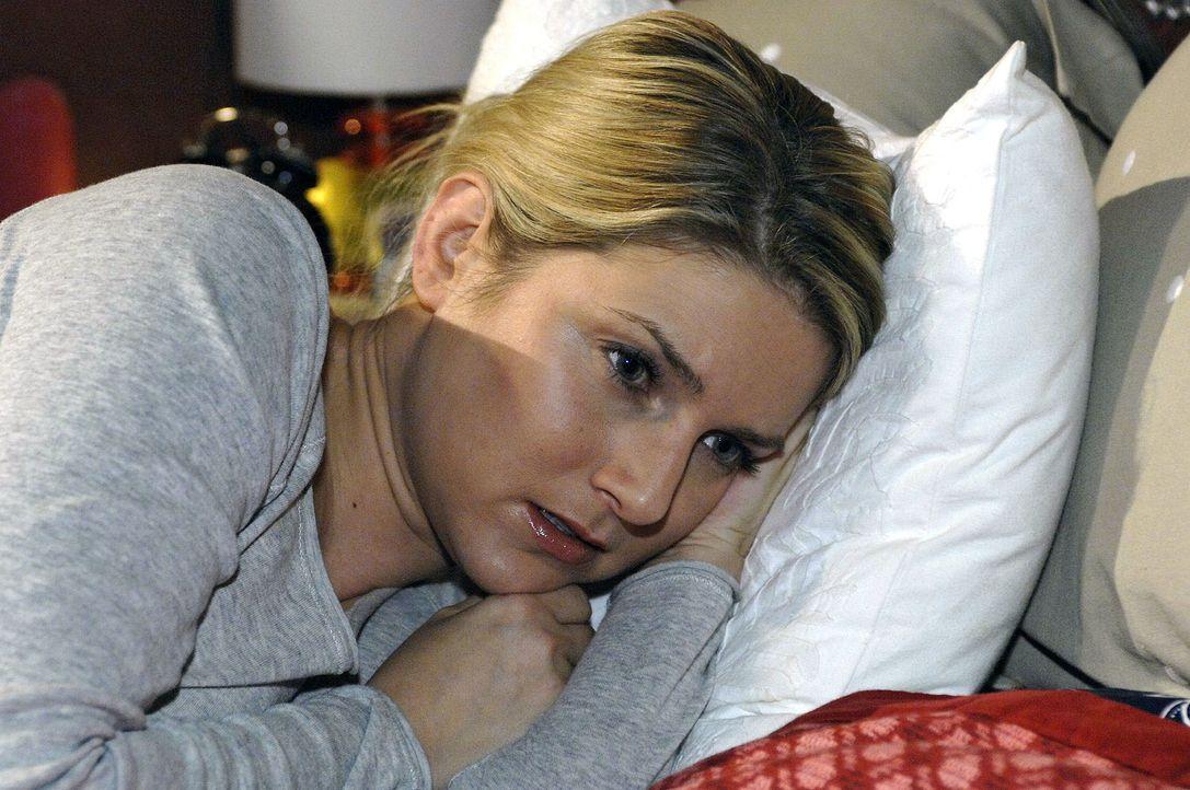 Anna (Jeanette Biedermann) ist traurig, dass Jannick ihr vorwirft, sich negativ verändert zu haben. - Bildquelle: Oliver Ziebe Sat.1