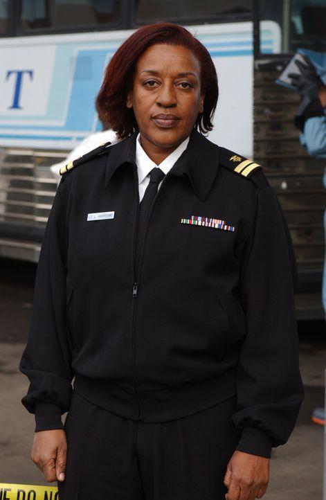Immer im Einsatz: Lt. Lee Havercamp (CCH Pounder) ... - Bildquelle: Paramount Network Television