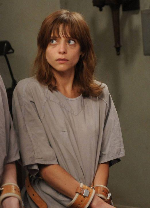 Jahr 1964: Grace (Lizzie Brocheré) gibt einem neuen Patienten Ratschläge, wie sie er am besten verhalten sollte ... - Bildquelle: 2012-2013 Twentieth Century Fox Film Corporation. All rights reserved.