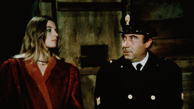 Die entführte Millionenerbin Connie (Cinzia Monreale, l.) zweifelt nicht zu U...