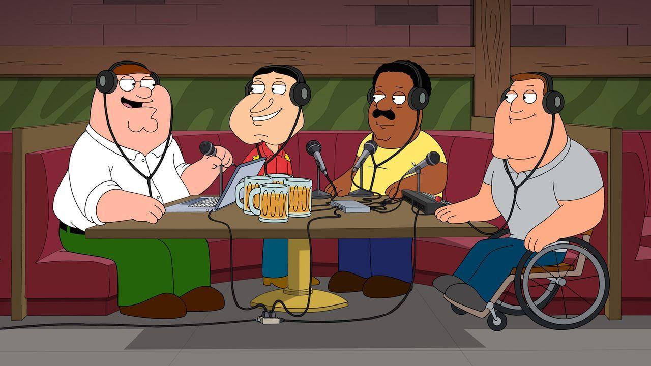Sind (v.l.n.r.) Peters, Quagmires, Clevelands und Joes ausschweifende Gespräche im Drunken Clam Stoff genug für einen Podcast? - Bildquelle: 2016-2017 Fox and its related entities.  All rights reserved.