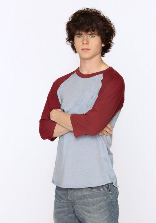 (1. Staffel) - Axl (Charlie McDermott) ist der ältere Sohn von Frankie und Mike und macht es der Familie mit seinem rebellischen Verhalten nicht imm... - Bildquelle: Warner Brothers