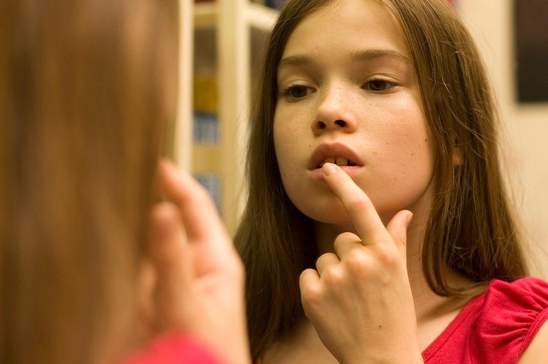 Die 13-jährige Nelly (Zoe Moore) hat eine Schwäche für den luxemburgischen Prinzen Edouard. Als das Mädchen-Basketball-Team ihrer Schule zum Wettkam... - Bildquelle: X-Verleih