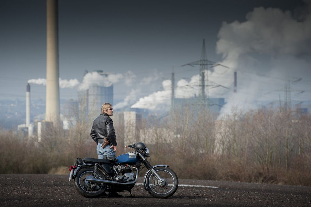 Der letzte echte Bulle: Mick (Henning Baum) ... - Bildquelle: Martin Rottenkolber SAT.1
