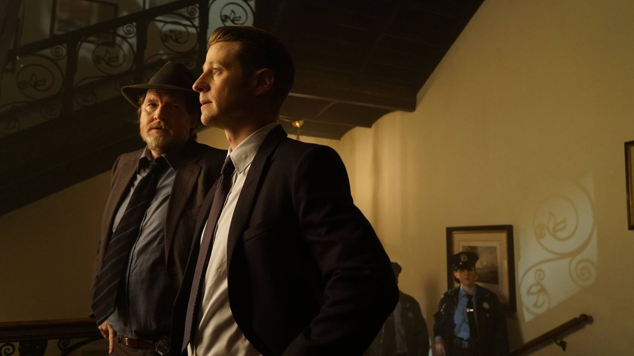 Gemeinsam gehen sie nun wieder auf Verbrecherjagd: Gordon (Ben McKenzie, r.) und Bullock (Donal Logue, l.) ... - Bildquelle: Warner Brothers
