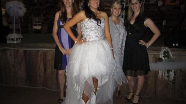 Welche Braut wird die Flitterwochen in Tahiti gewinnen? © Granada Media Austr...