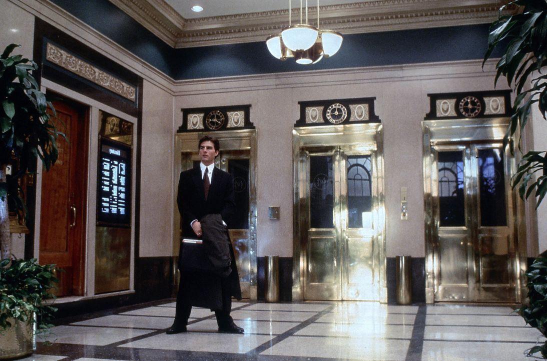 Junganwalt Mitch McDeeres (Tom Cruise) Traumjob wird schön langsam zum Alptraum: er wird beschattet, es geschehen mysteriöse Morde und das FBI zei... - Bildquelle: Paramount Pictures