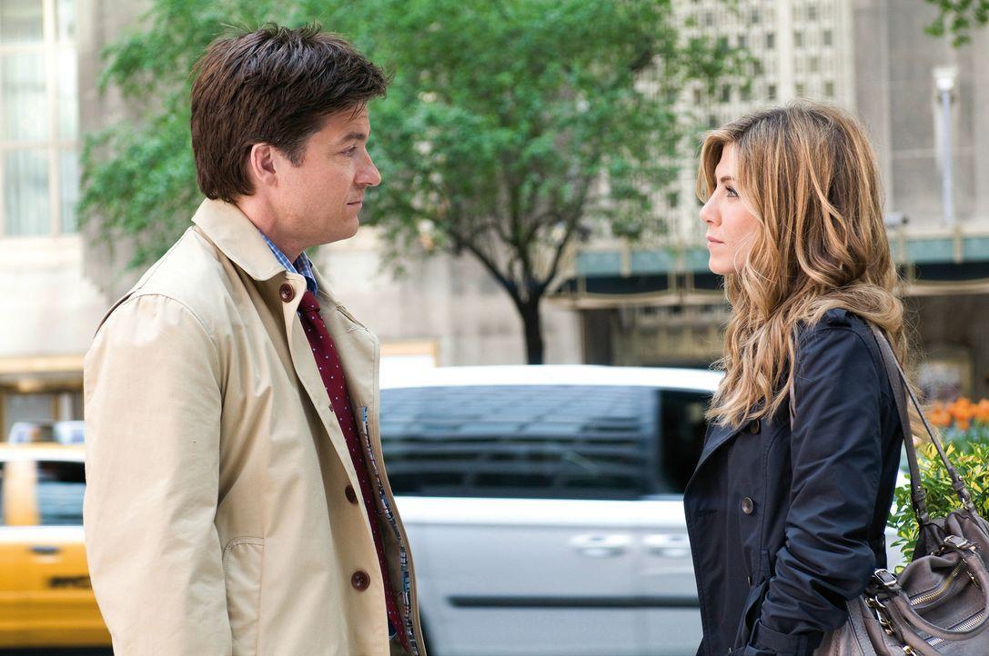 Umständlich verliebt: Kassie (Jennifer Aniston, r.) und Wally (Jason Bateman, l.) ... - Bildquelle: Constantin Film Verleih GmbH