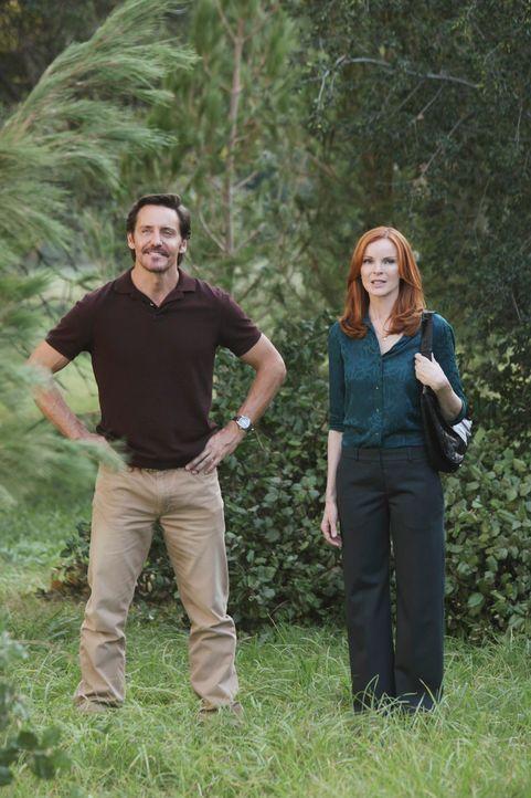 Ben (Charles Mesure, l.) hat für Bree (Marcia Cross, r.) und ihre Freundinnen eine schockierende Nachricht ... - Bildquelle: ABC Studios