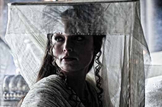 Tamara (Rachel Nichols) beherrscht ein bestimmtes Auferstehungsritual. Um geg...