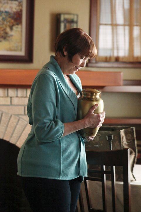 Ist wieder auf freiem Fuß und möchte mit Paul Frieden schließen: Felicia (Harriet Sansom Harris) ... - Bildquelle: ABC Studios