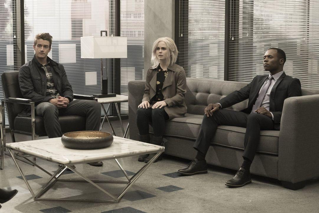 Major (Robert Buckley, l.), Liv (Rose McIver, M.) und Clive (Malcolm Goodwin, r.) machen erstaunliche Entdeckungen, als Vivian sie in die Pläne ihre... - Bildquelle: 2017 Warner Brothers