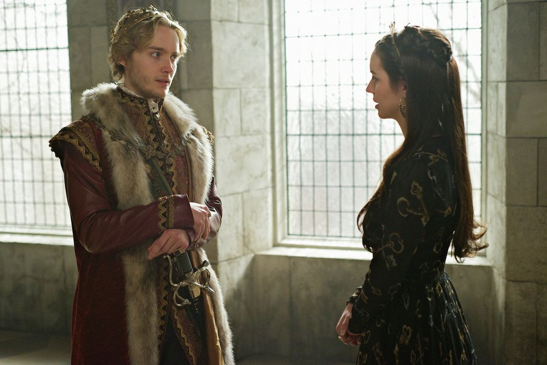 Auch der letzte Annährungsversuch scheint zu scheitern: Werden Mary (Adelaide Kane, r.) und Francis (Toby Regbo, l.) ihre Eheprobleme doch noch klär... - Bildquelle: Sven Frenzel 2014 The CW Network, LLC. All rights reserved.