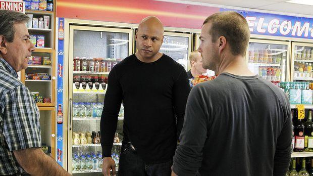 Deeks platzt nach seinem täglichen Jogging in dem kleinen Supermarkt, in dem...