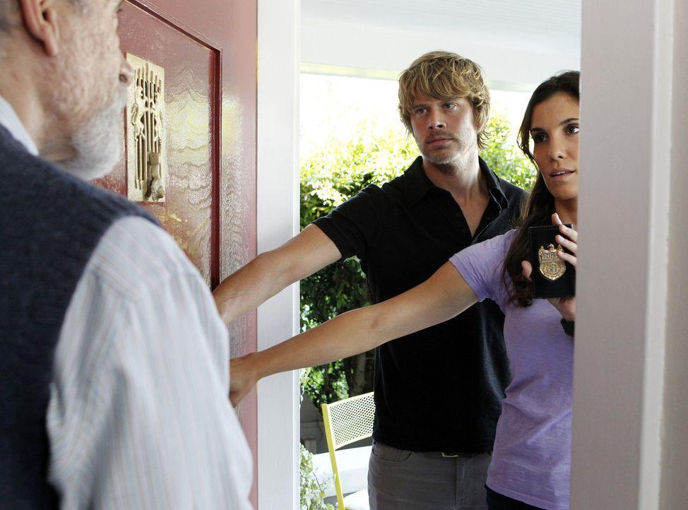 Ermitteln in einem neuen Fall: Deeks (Eric Christian Olsen, M.) und Kensi (Daniela Ruah, r.) ... - Bildquelle: CBS Studios Inc. All Rights Reserved.