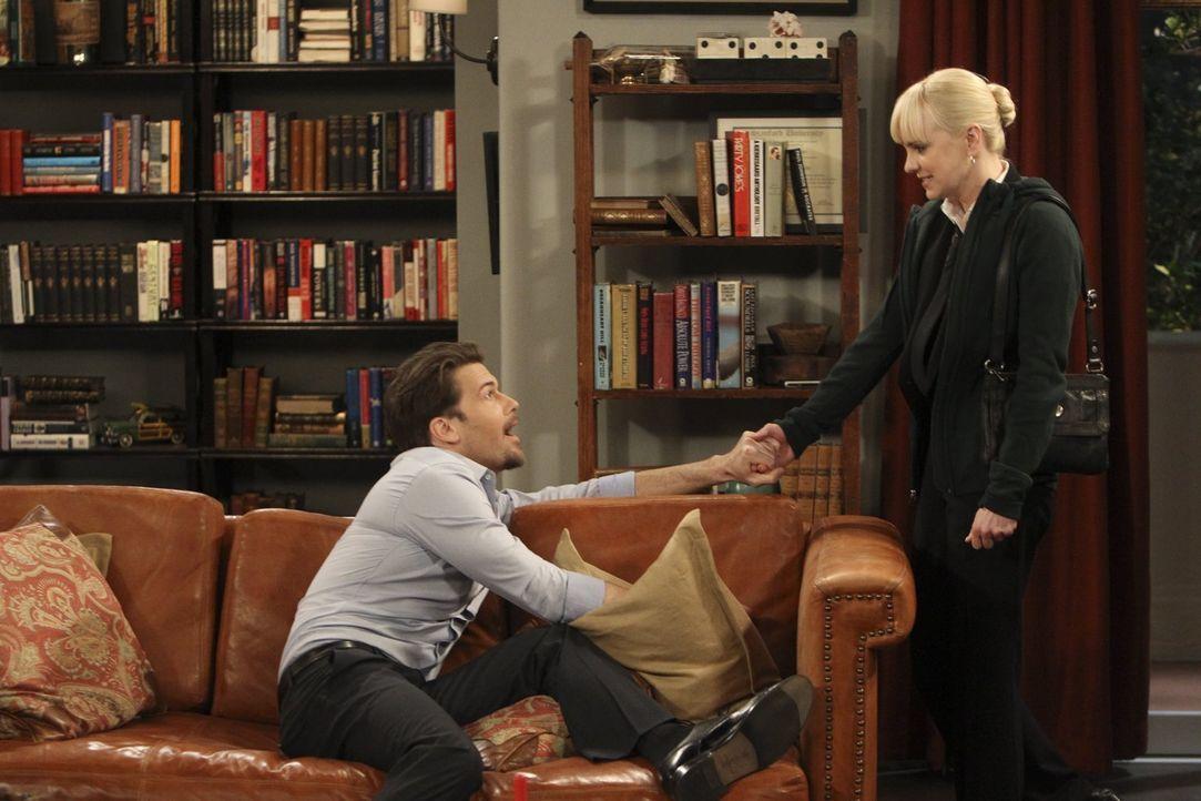 Christy (Anna Faris, r.) hat den betrunkenen David (Nick Zano, l.) nach Hause begleitet, einen Feuerwehrmann, den sie im Restaurant kennengelernt ha... - Bildquelle: Warner Brothers Entertainment Inc.