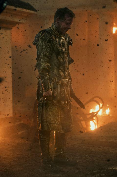 Während Pompeij von den Eruptionen des wütenden Vesuv erschüttert wird, will Senator Corvus (Kiefer Sutherland) noch immer nur eines: die aufmüpfige... - Bildquelle: 2014 Constantin Film Verleih GmbH/ Caitlin Cronenberg