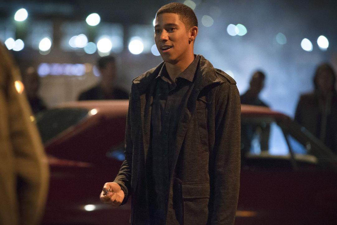 Ist Wally (Keiynan Lonsdale) wirklich der, der er vorgibt zu sein? - Bildquelle: 2015 Warner Brothers.