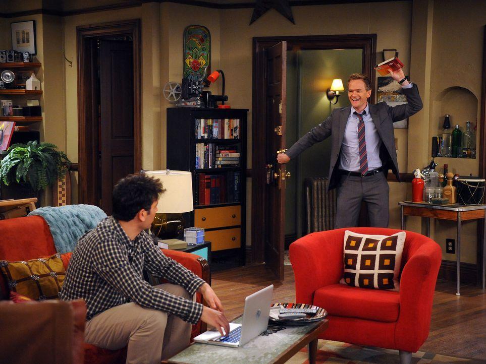 Während Barney (Neil Patrick Harris, r.) es sich zur Aufgabe macht, etwas Privates von Marshall und Lily herauszufinden, beendet Robin ihre Beziehu... - Bildquelle: 20th Century Fox International Television