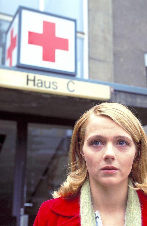 Die Psychotherapeutin Sarah (Laura Schuhrk) ist Daniel seit dem Verschwinden seiner Frau eine gute Freundin und Stütze. Doch sie fühlt sich immer st... - Bildquelle: Stephan Rabold ProSieben/Rabold