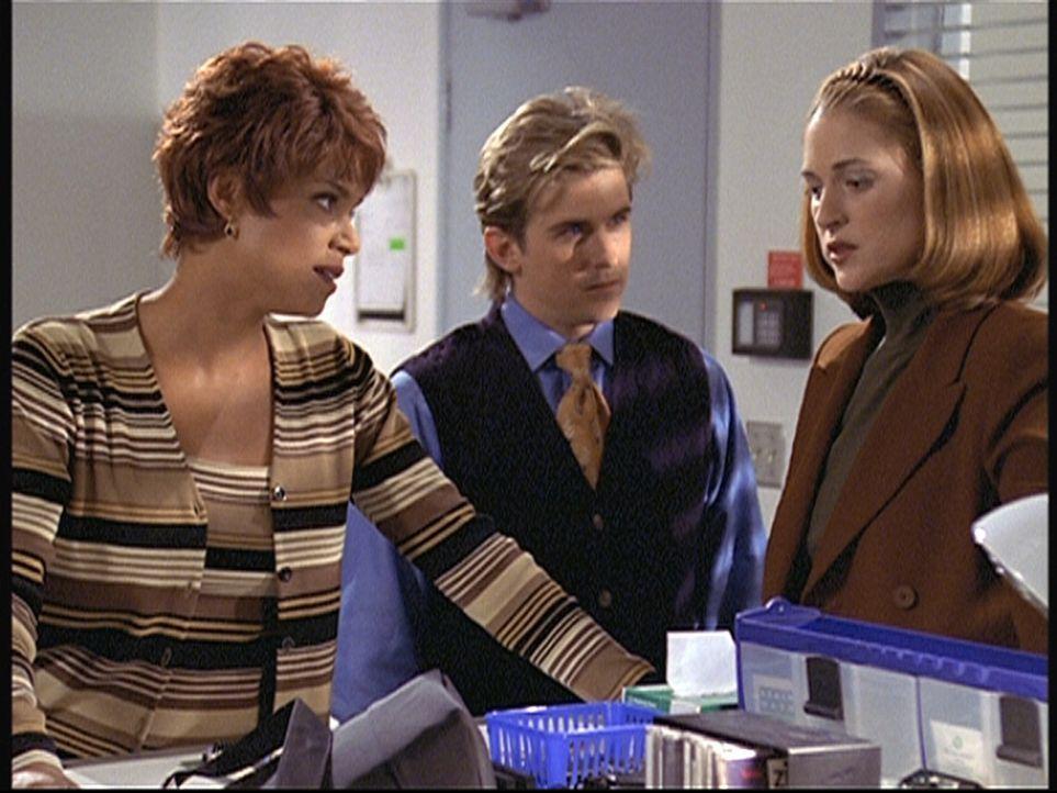 Amanda (Victoria Rowell, l.) und Jesse (Charlie Schlatter, M.) stimmen nicht mit Tanis Archers (Susan Gibney, r.) Mordtheorie überein. - Bildquelle: Viacom