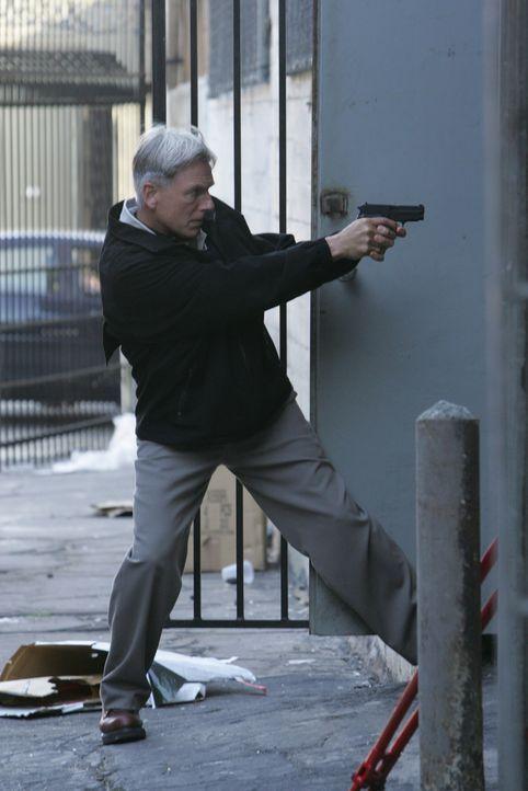 Nach dem schrecklichen Anschlag will Gibbs (Mark Harmon) Ari jagen, bis er ihn zur Strecke gebracht hat ... - Bildquelle: CBS Television