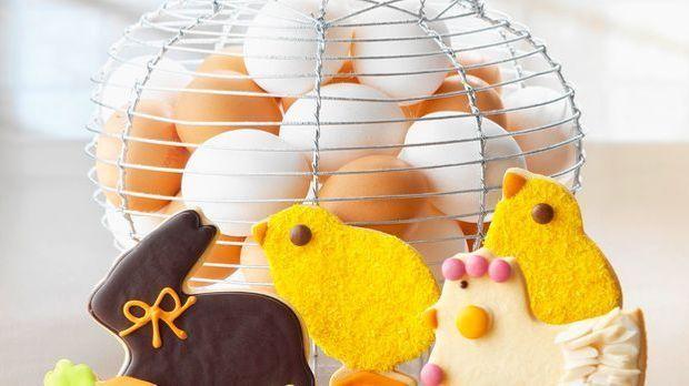 Bunt verzierte Osterkekse