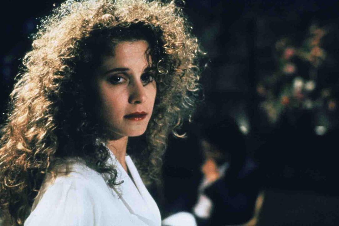 Die junge und attraktive Kathleen (Nancy Travis) fühlt sich von ihrem Mann Raymond Avila vernachlässigt. Deshalb lässt sie sich auf ein gefährli... - Bildquelle: Paramount Pictures