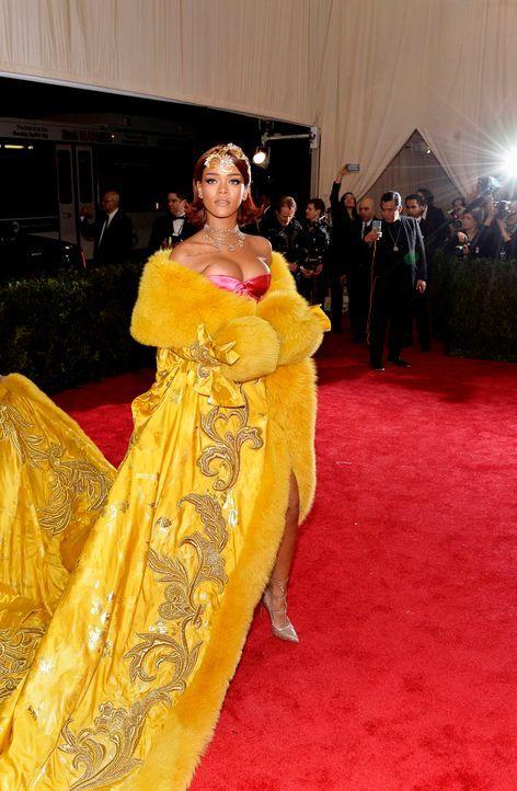 Met-Ball-Rihanna-15-05-04-2-dpa - Bildquelle: dpa