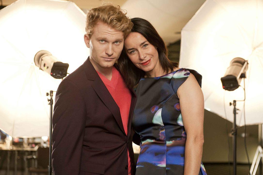 Seit einem Jahr hat Nicky (Katharina Müller-Elmau, r.) eine Beziehung mit ihrem jungen Kollegen Sascha (Lucas Prisor, l.). Eines Tages jedoch verlie... - Bildquelle: Britta Krehl SAT.1
