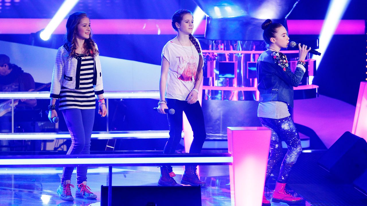 The-Voice-Kids-epi04-Rita-Sarah-Alexandra-1-SAT1-Richard-Huebner - Bildquelle: SAT.1/Richard Hübner