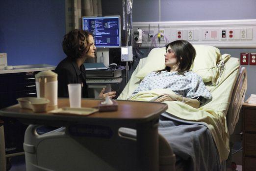 Private Practice - Joanna Gibson (Betsy Brandt, r.), die Violet (Amy Brennema...