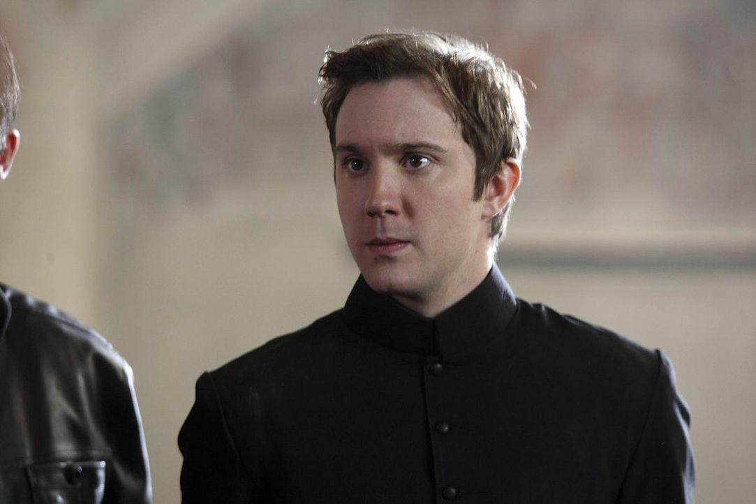 John Gray (Sam Huntington), Mitglied einer Verbrecherbande, die Raubüberfälle in großem Stil unternimmt, hat sich in Emily verliebt und will aus dem... - Bildquelle: Warner Brothers