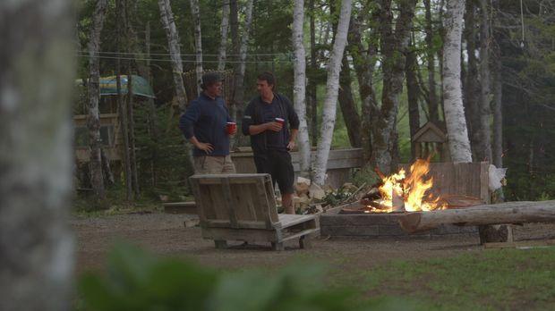 Andrew (r.) und Kevin (l.) sind sich einig. Auf ihrem Grundstück soll es drin...