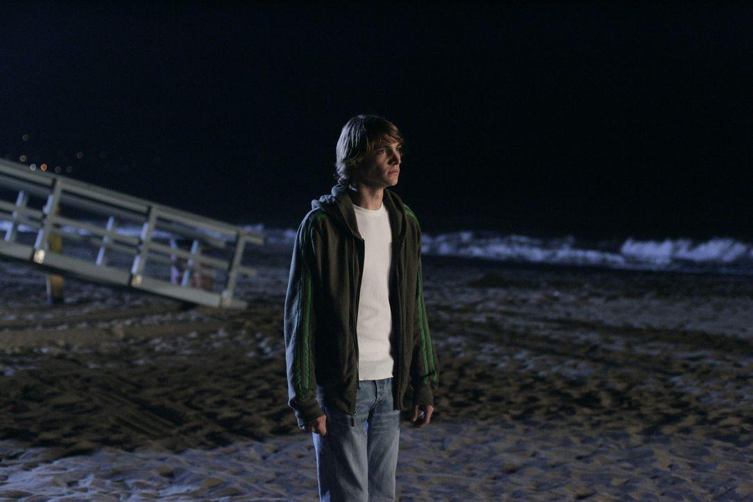 Wird von Volchock belästig: Johnny (Ryan Donowho) ... - Bildquelle: Warner Bros. Television