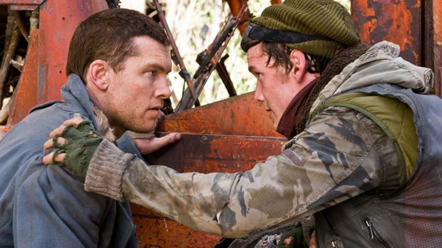 In den Ruinen von Los Angeles trifft Marcus (Sam Worthington, l.) auf Kyle Re...