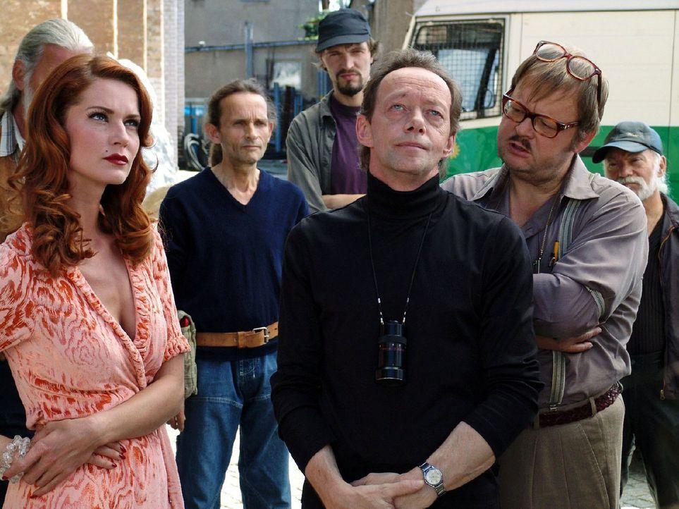 """Der mächtige Filmproduzent J.J. Epstein stirbt durch einen """"Unfall"""". In seinem Umfeld haben alle Verdächtigen, unter ihnen auch Schauspielerin Nor... - Bildquelle: Sat.1"""